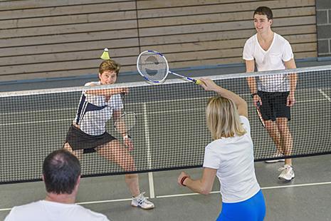 Badminton_Erwachsene_465x310