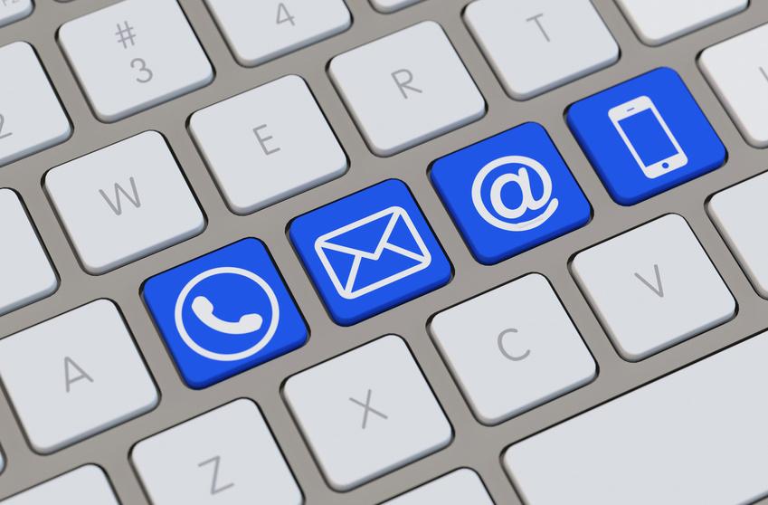 Tastatur mit Symbol für Kontakt