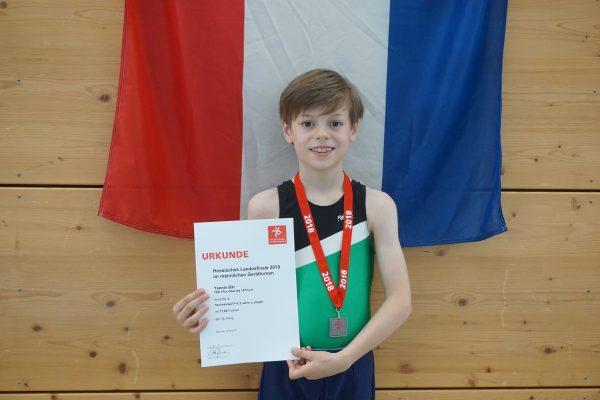 Yannis turnte seine Premiere bei den Hessischen Einzelmeisterschaften
